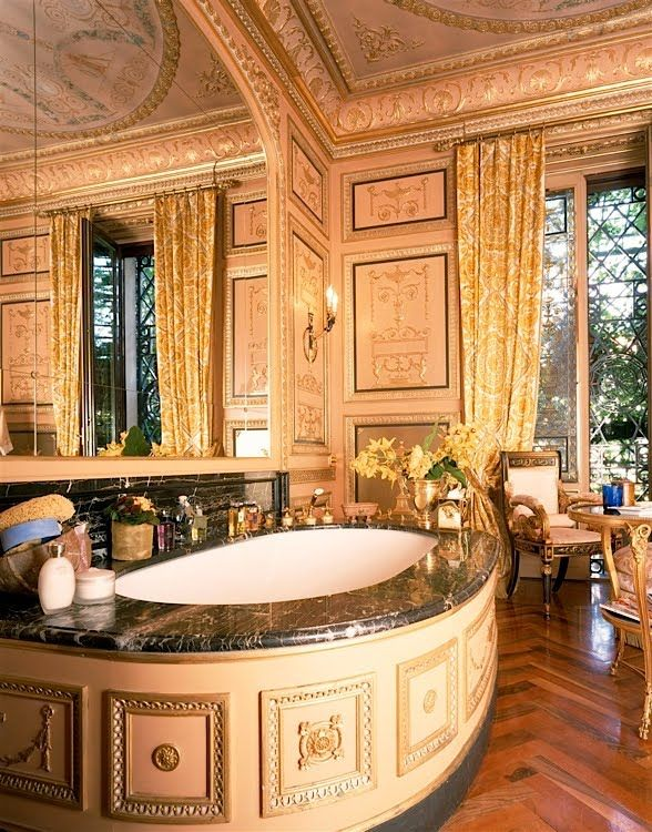 Bathrooms design ideas of Donatella Versace
